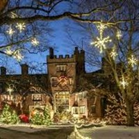 Deck the Halls by Lenzner Tours