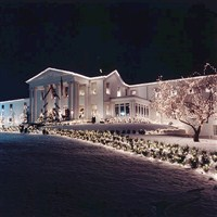 Tara - A Country Inn Christmas by Lenzner Tours