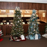 Christmas Treats in Amish Country by Lenzner Tours